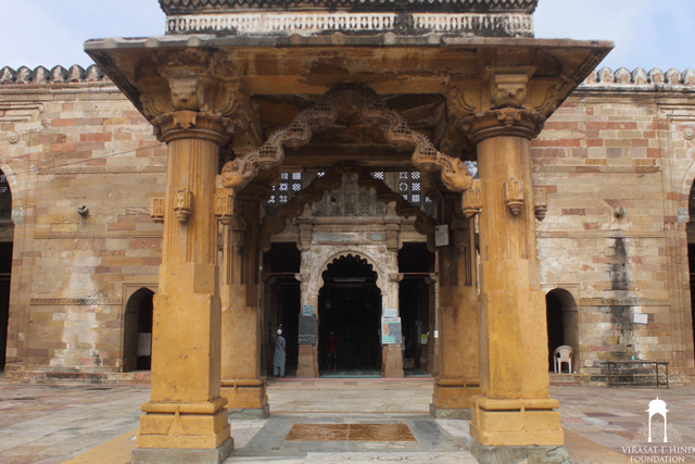 Jama Masjid Khambhat (closer view)