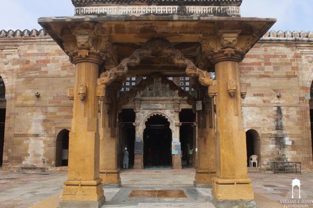 Jama Masjid Khambhat (closer view)
