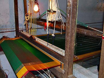 UppadaPattuSarees-Weaving2