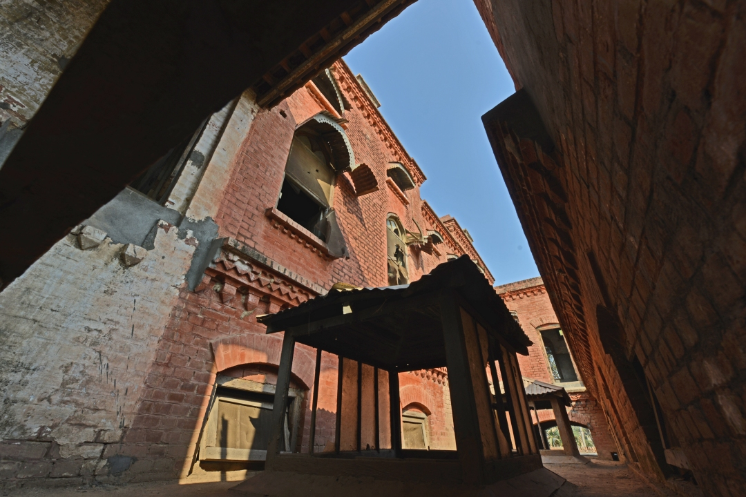 An oblique view of the Kothi 1