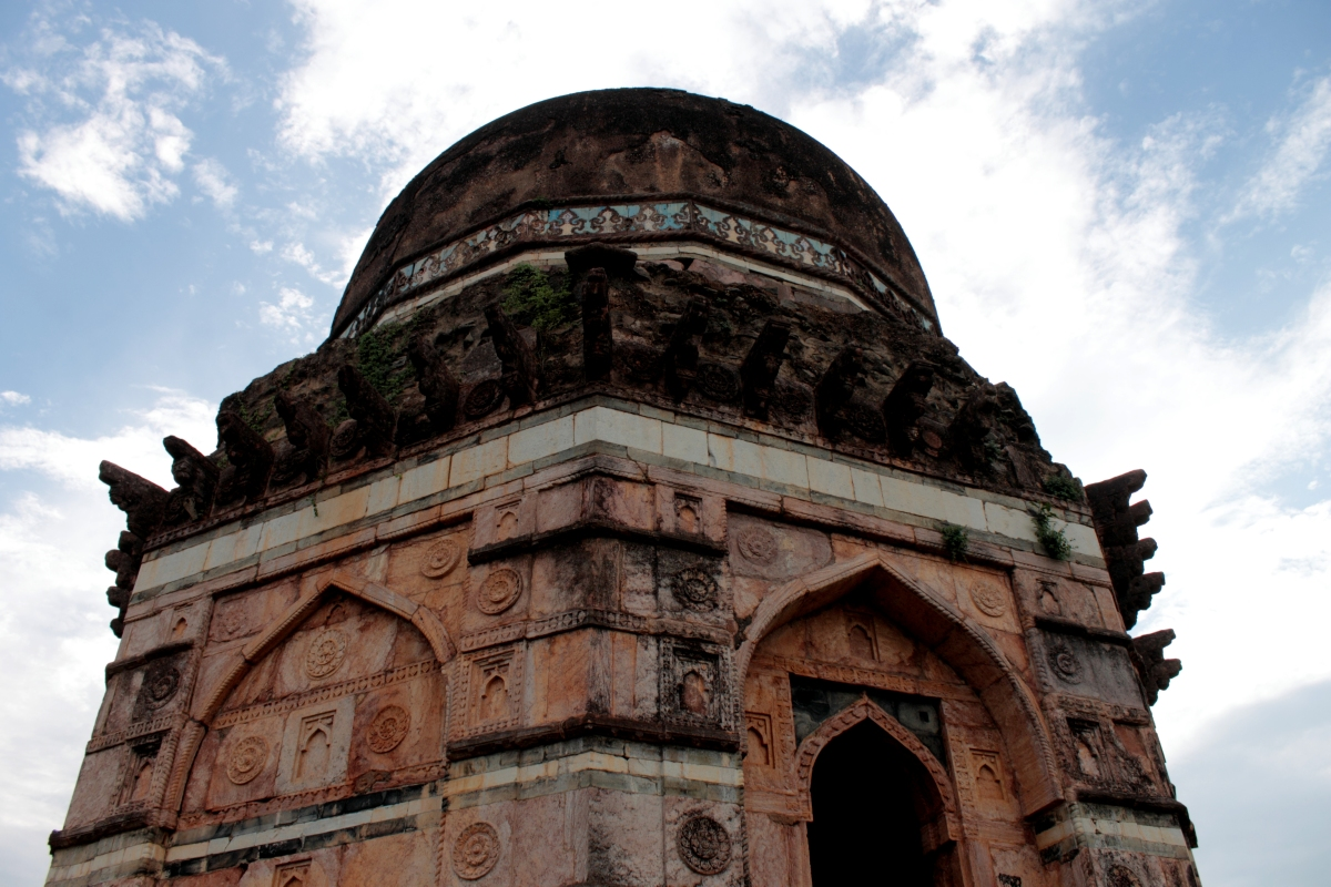 Travel Shot : Mandu – On A Road Less Traveled
