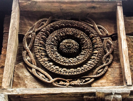 wooden carvings showing floral patterns
