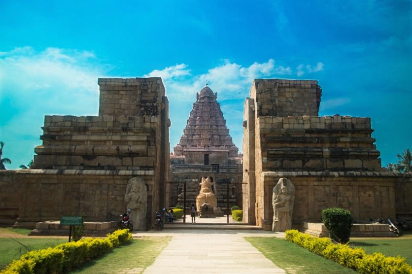 brihadeeswara-gangaikondacholapuram1