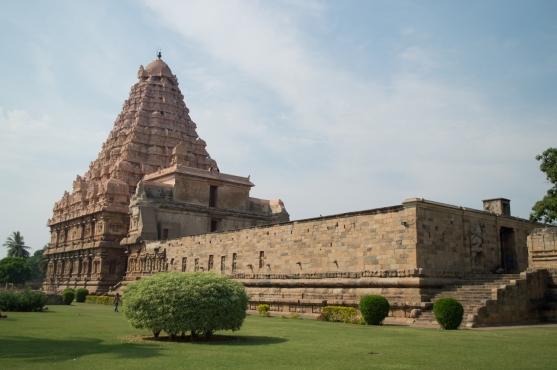brihadeeswara-gangaikondacholapuram5