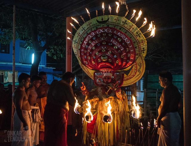 Puthiya bhagavathi giving blessings